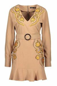 Womens Embroidered Belted Shift Dress - beige - 16, Beige