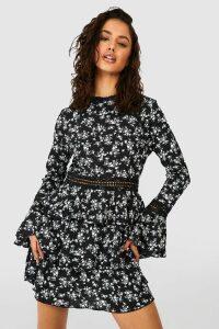 Womens High Neck Floral Tiered Skater Dress - black - 16, Black