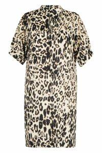 Womens Plus Leopard High Neck Shift Dress - beige - 20, Beige