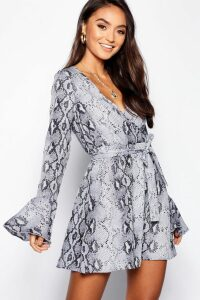 Womens Petite Snake Print Woven Long Sleeve Skater Dress - black - 4, Black