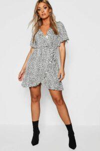 Womens Plus Dalmatian Print Ruffle Tea Dress - white - 20, White