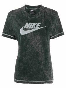 Nike contrast logo T-shirt - Black