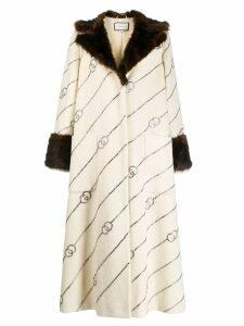 Gucci fur collar monogrammed coat - White