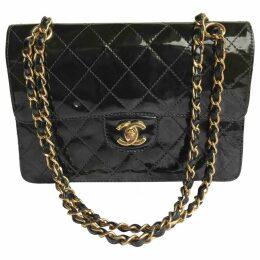 Timeless/Classique patent leather handbag