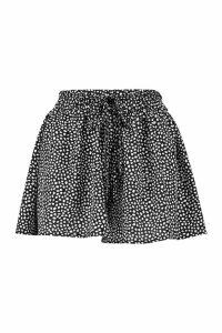 Womens Petite Smudge Spot Print Woven Flippy Shorts - black - 6, Black