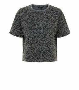 Dark Grey Leopard Print Boxy T-Shirt New Look