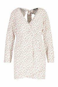Womens Plus Ditsy Floral Print Wrap Skater Dress - white - 18, White