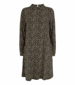 Black Daisy Soft Touch Mini Dress New Look