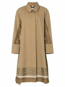 Burberry Trench Look 18
