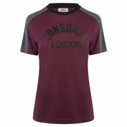 Lonsdale  Long Line Crew T Shirt Ladies  women's T shirt in Red