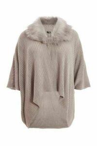 Quiz Curve Grey Faux Fur Knit Cape