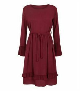 Mela Burgundy Pleated Tie Waist Dress New Look