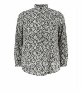 Curves Light Grey Snake Print Shirt New Look