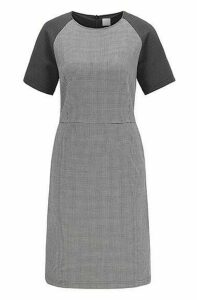 Short-sleeved dress with houndstooth motif and side pockets