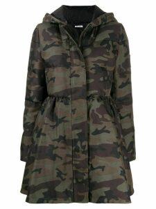 Miu Miu camouflage print hooded parka - Brown