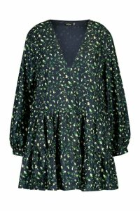 Womens Plus Ditsy Floral V-Neck Tiered Smock Dress - navy - 20, Navy
