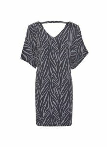 Womens **Billie & Blossom Petite Silver Zebra Print Shift Batwing Dress, Silver