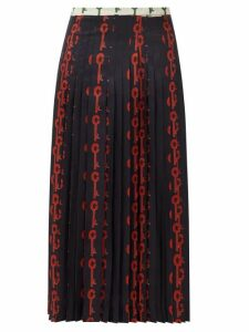 La Prestic Ouiston - Gabrielle Good Luck-print Pleated Silk Skirt - Womens - Black Red